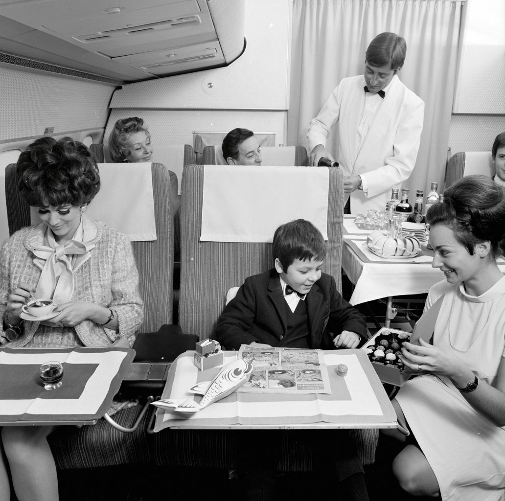 1960s-airline-travel-5-1032x1024.jpg