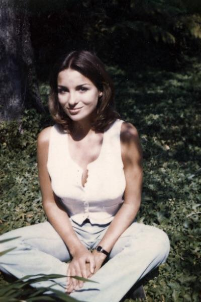 (1970's) Lois Gibson, former model and Guinness World Record holder for sketch artist who has solved the most crimes.jpg