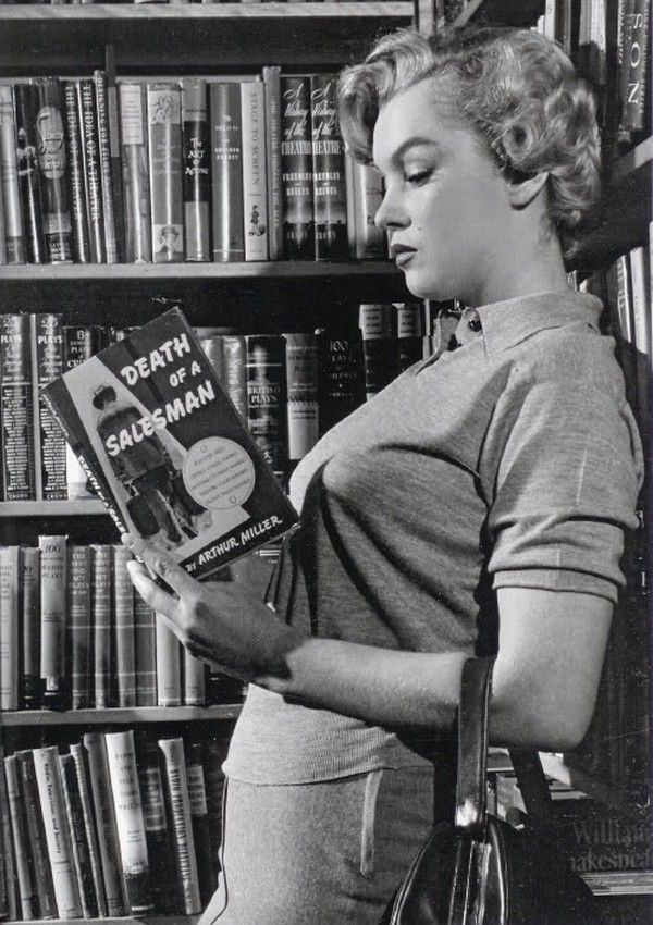 Marilyn Monroe reading 'Death of a Salesman' by Arthur Miller in 1951. Marilyn would go on to marry Arthur five years later.jpg