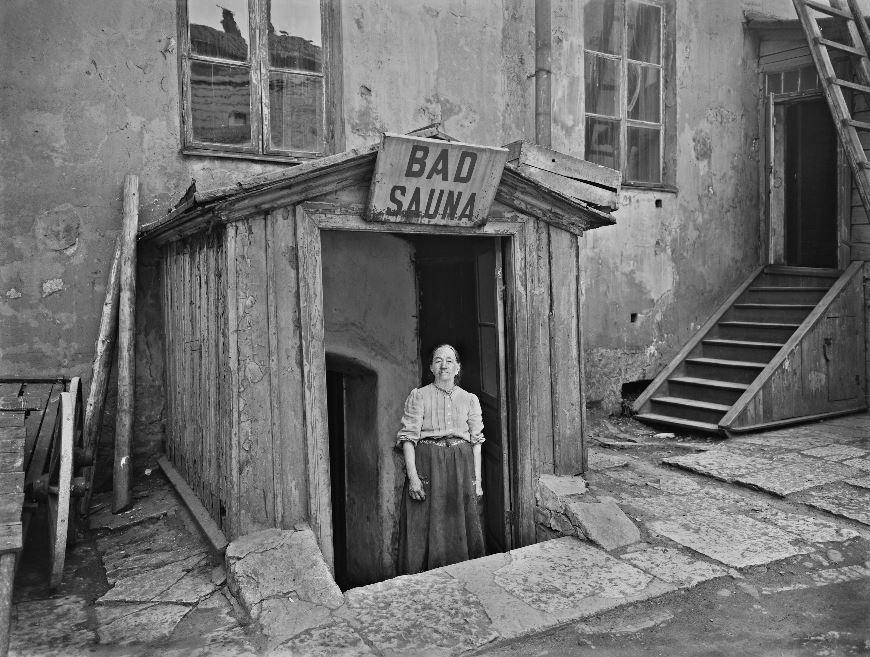 1913 Picture from Mariankatu, Finland, and 'bad' is Swedish for 'bath'.jpg
